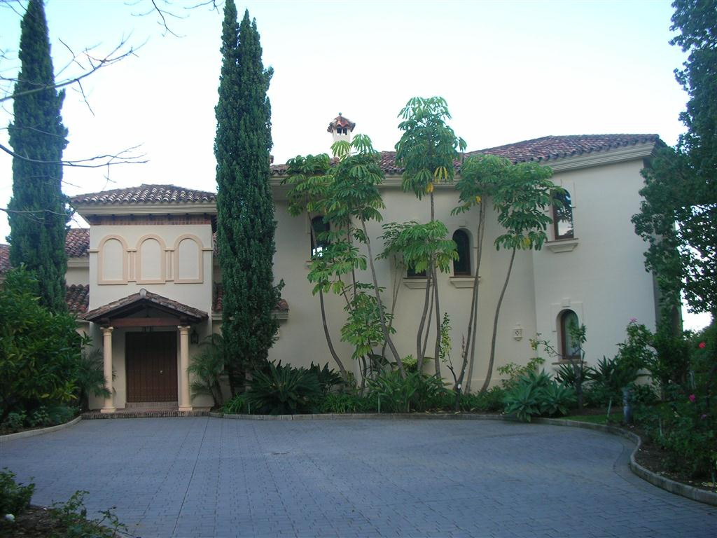 Villa - ejendomsmægler i La Zagaleta