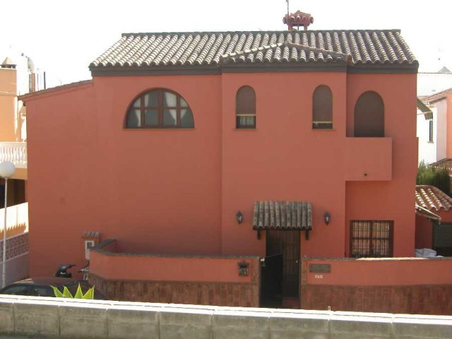Villa - real estate in Fuengirola