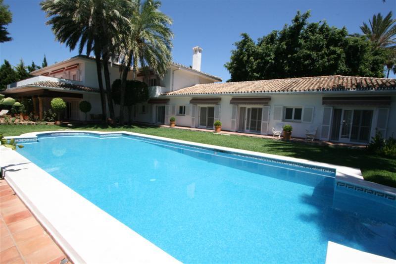 Unique home for sale in Los Monteros