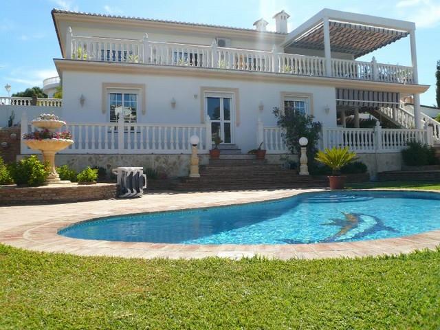 Villa - ejendomsmægler i Cerros del Aguila