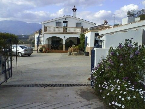 Villa - ejendomsmægler i Sayalonga