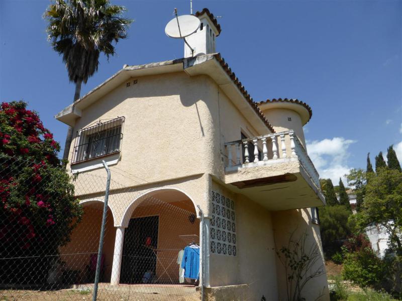 Villa - ejendomsmægler i Campomijas