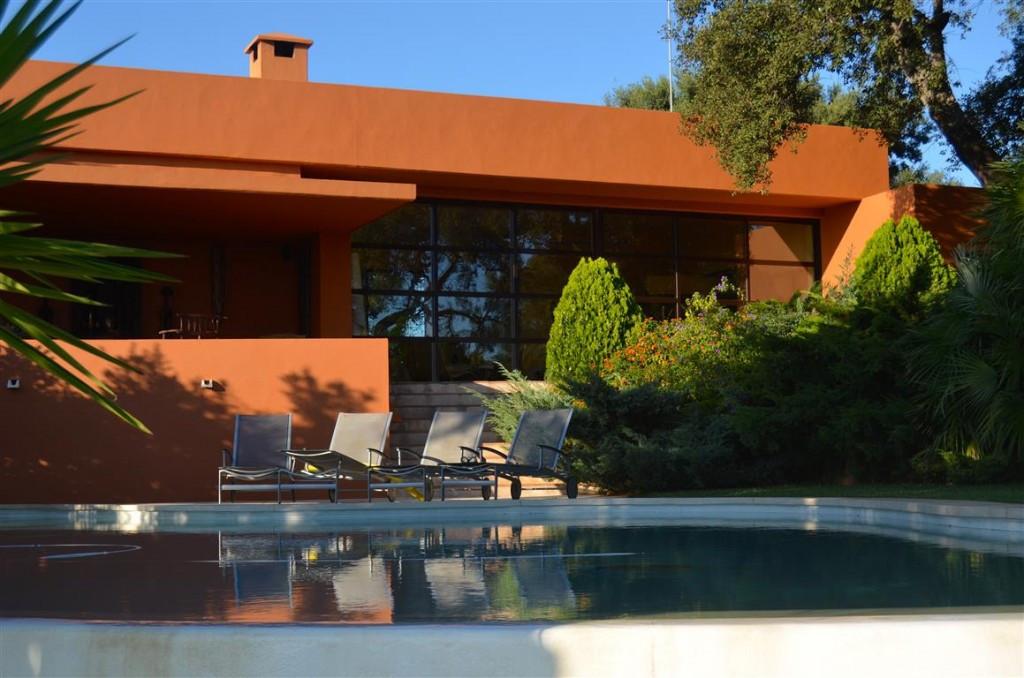 Villa - real estate in La Mairena