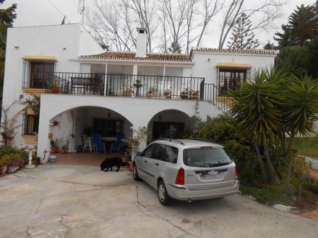 Villa - real estate in El Rosario