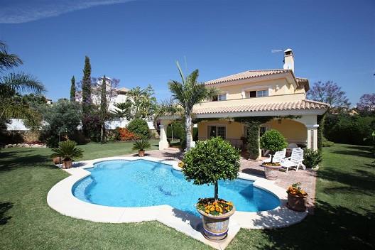 Villa - real estate in Marbella