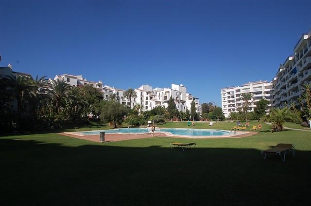 Apartment for sale in Puerto Banus