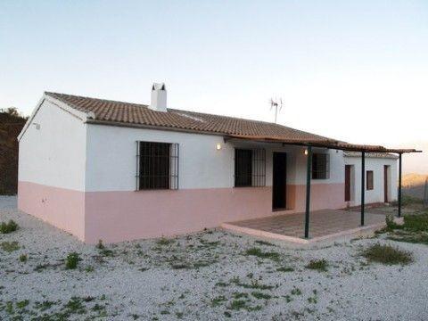 Villa for sale in Moclinejo