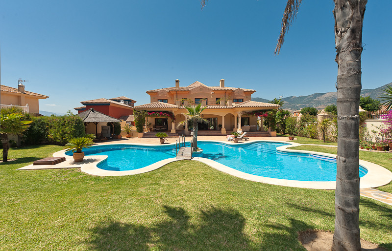 Villa - ejendomsm�gler i Mijas Costa