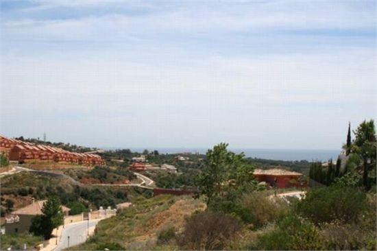 Plot for sale in Elviria