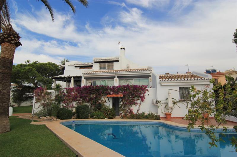 Villa - ejendomsmægler i El Rosario