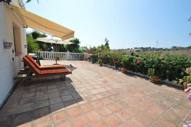 Villa - real estate in Almayate