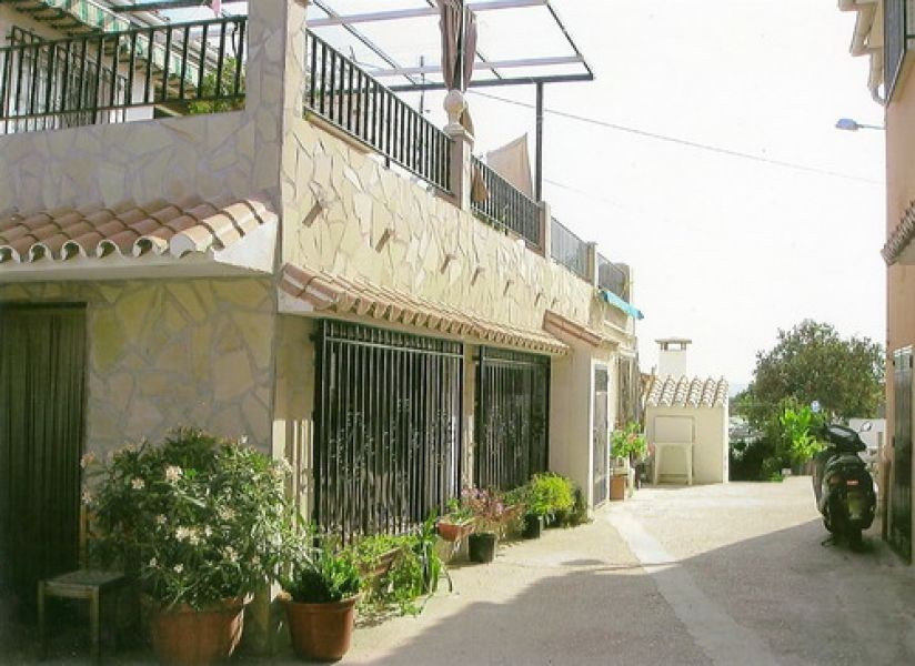 Villa for sale in Benajarafe