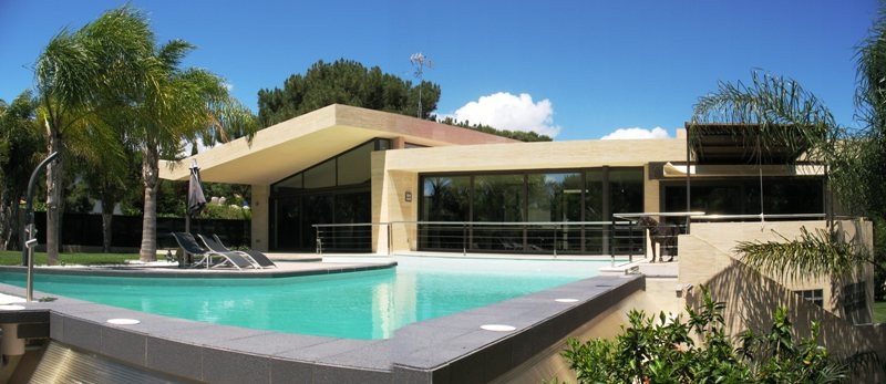 Villa - real estate in Las Chapas