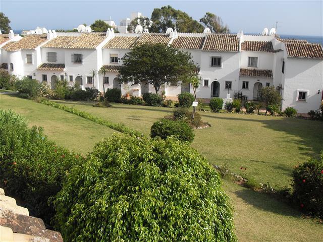Townhouse for sale in Riviera del Sol