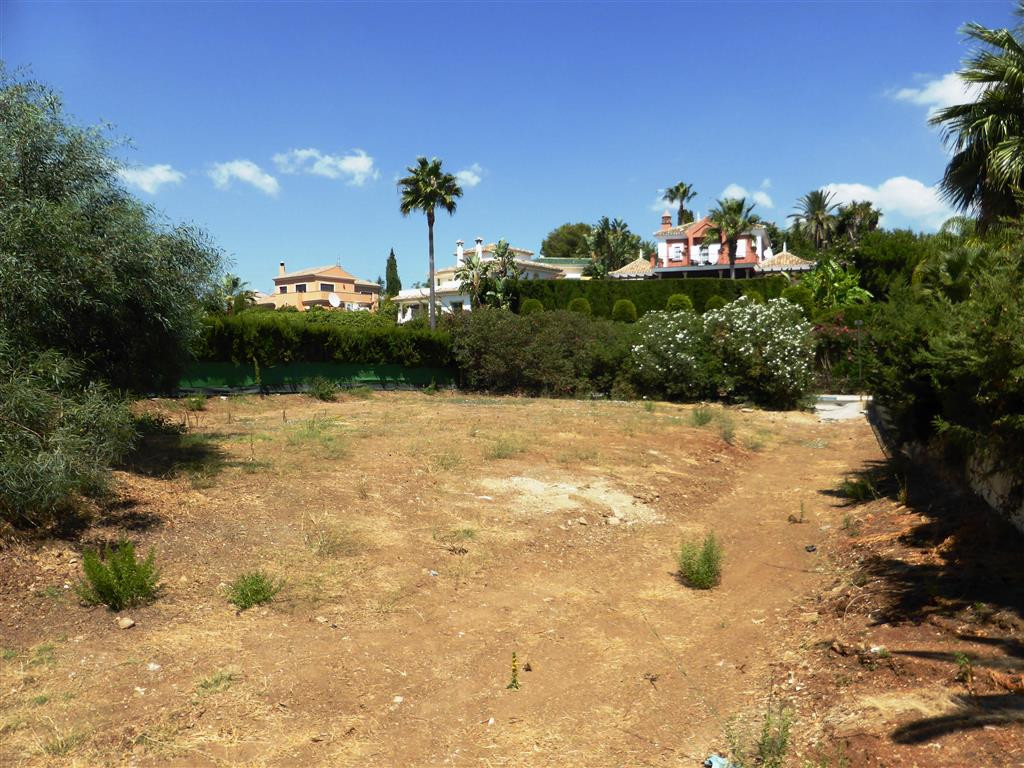 Plot for sale in Nueva Andalucia