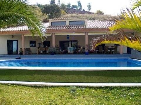 Villa - real estate in Sayalonga