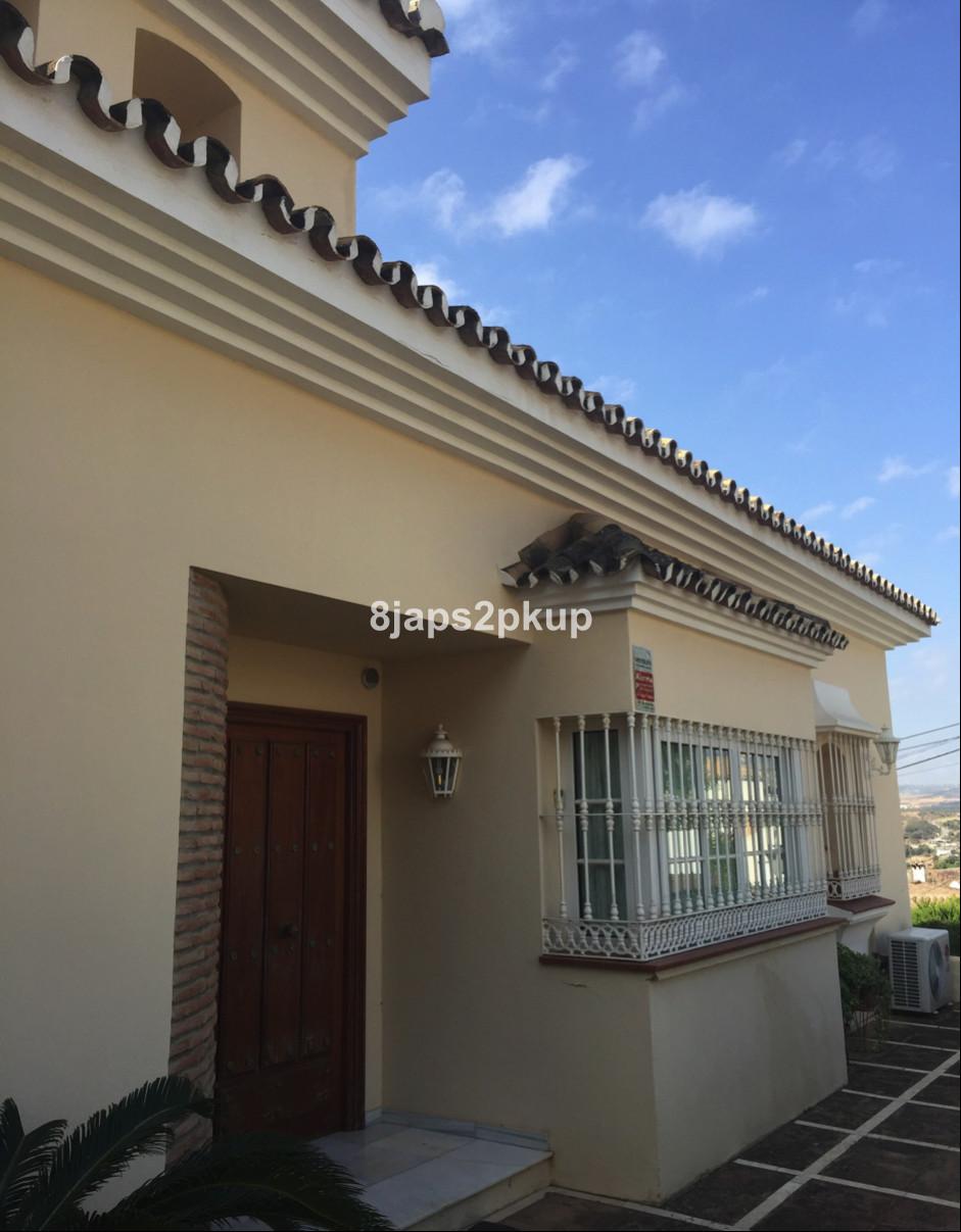 Villa 4 Dormitorios en Venta Estepona