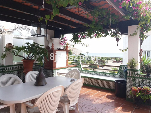 FRONTLINE BEACH COMPLEX.... LOVELY PROPERTY, EXCELLENT LOCATION!!!!!!!! NEXT TO ESTEPONA PORT INTO C,Spain