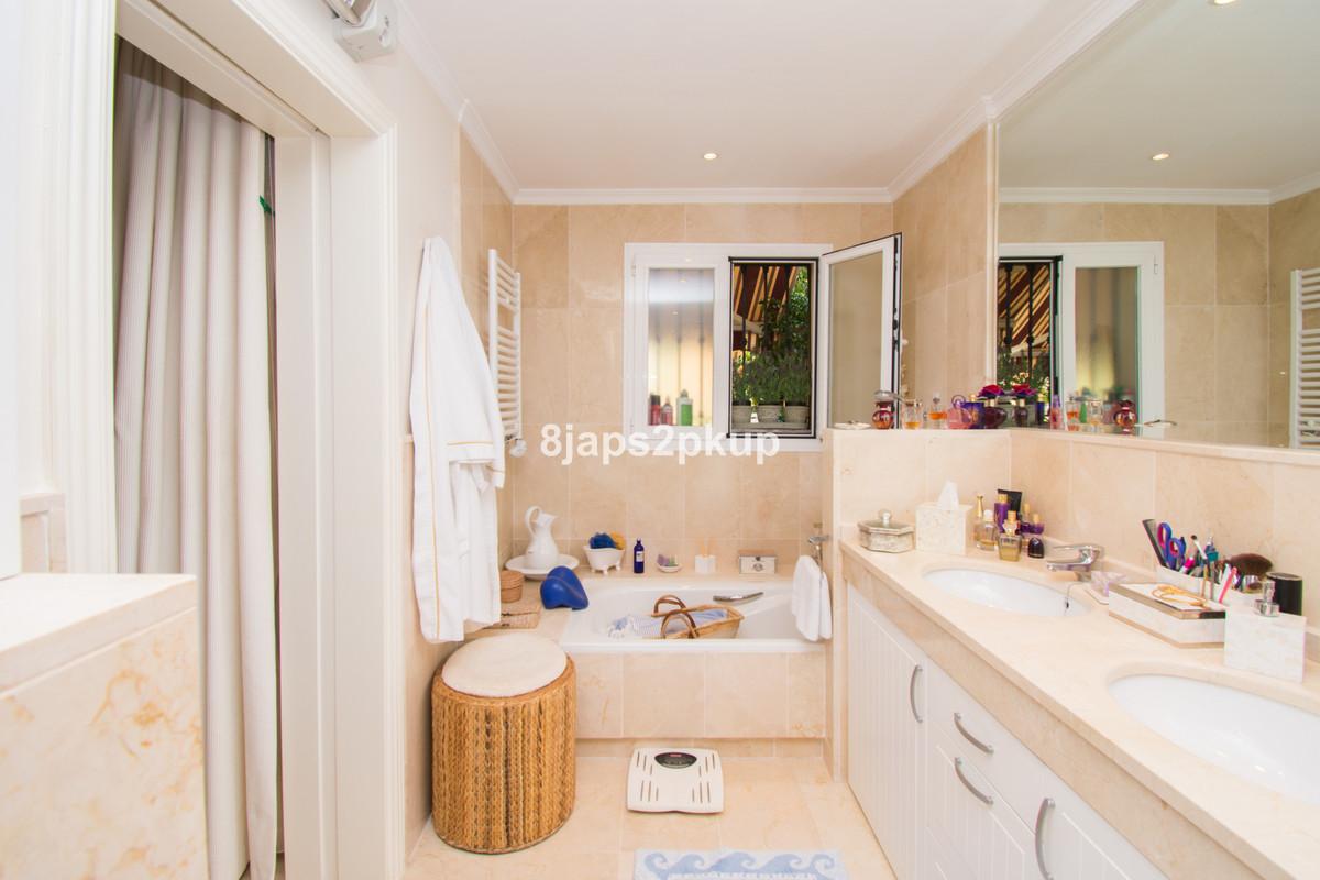 Appartement te koop in Estepona R3445057