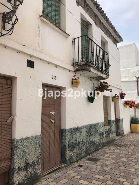 5 bedroom townhouse for sale estepona