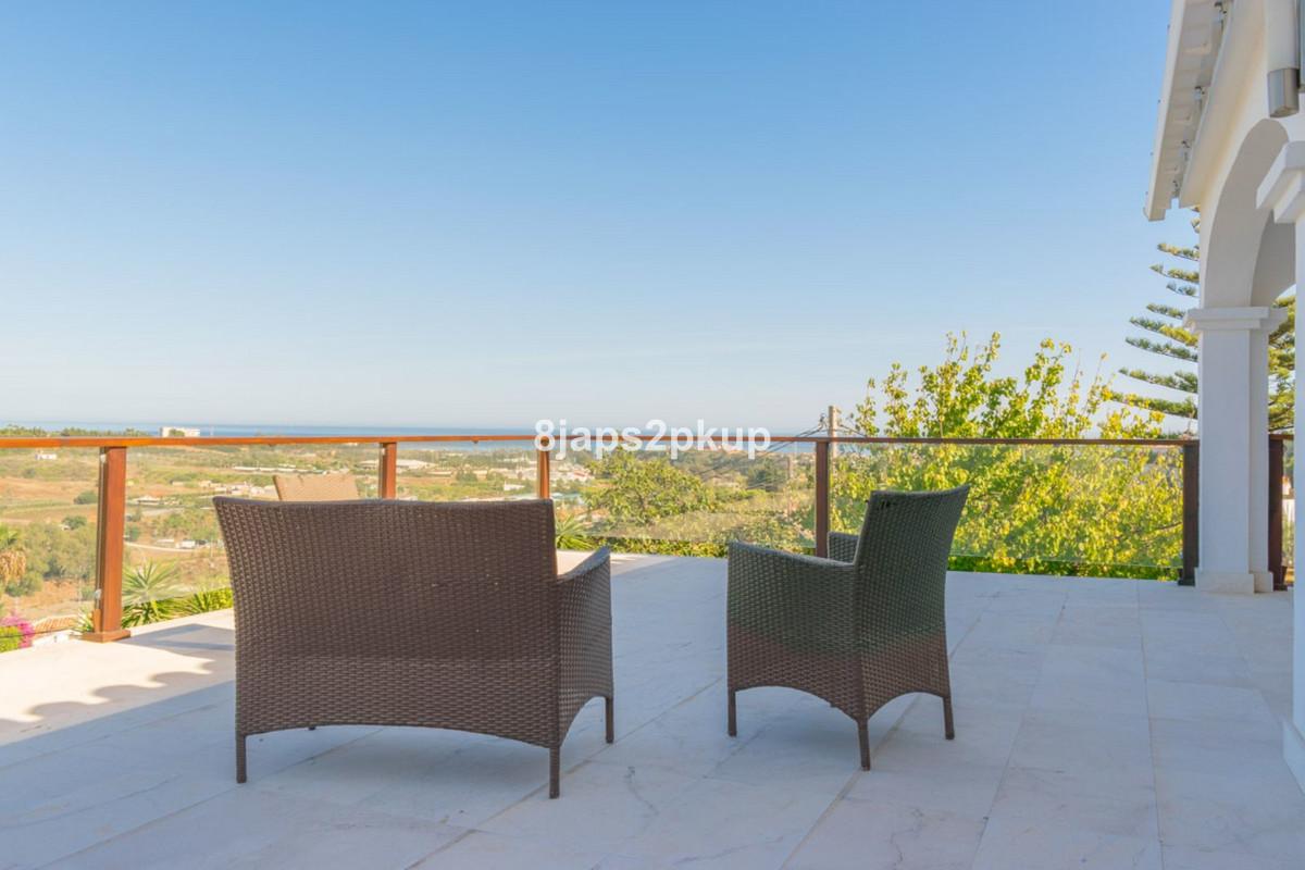 Villa Detached Estepona Málaga Costa del Sol R3399973 10