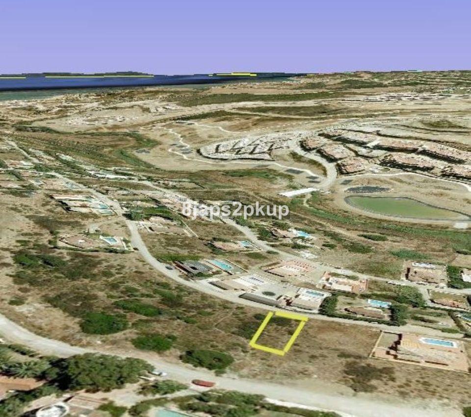 Residential Plot, Estepona, Costa del Sol. Garden/Plot 1034 m².  Setting : Close To Golf, Close To P,Spain