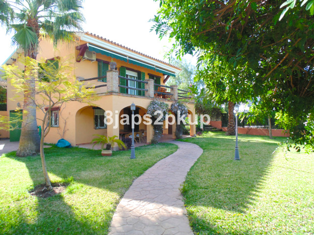 Villa  Individuelle en vente   à Estepona