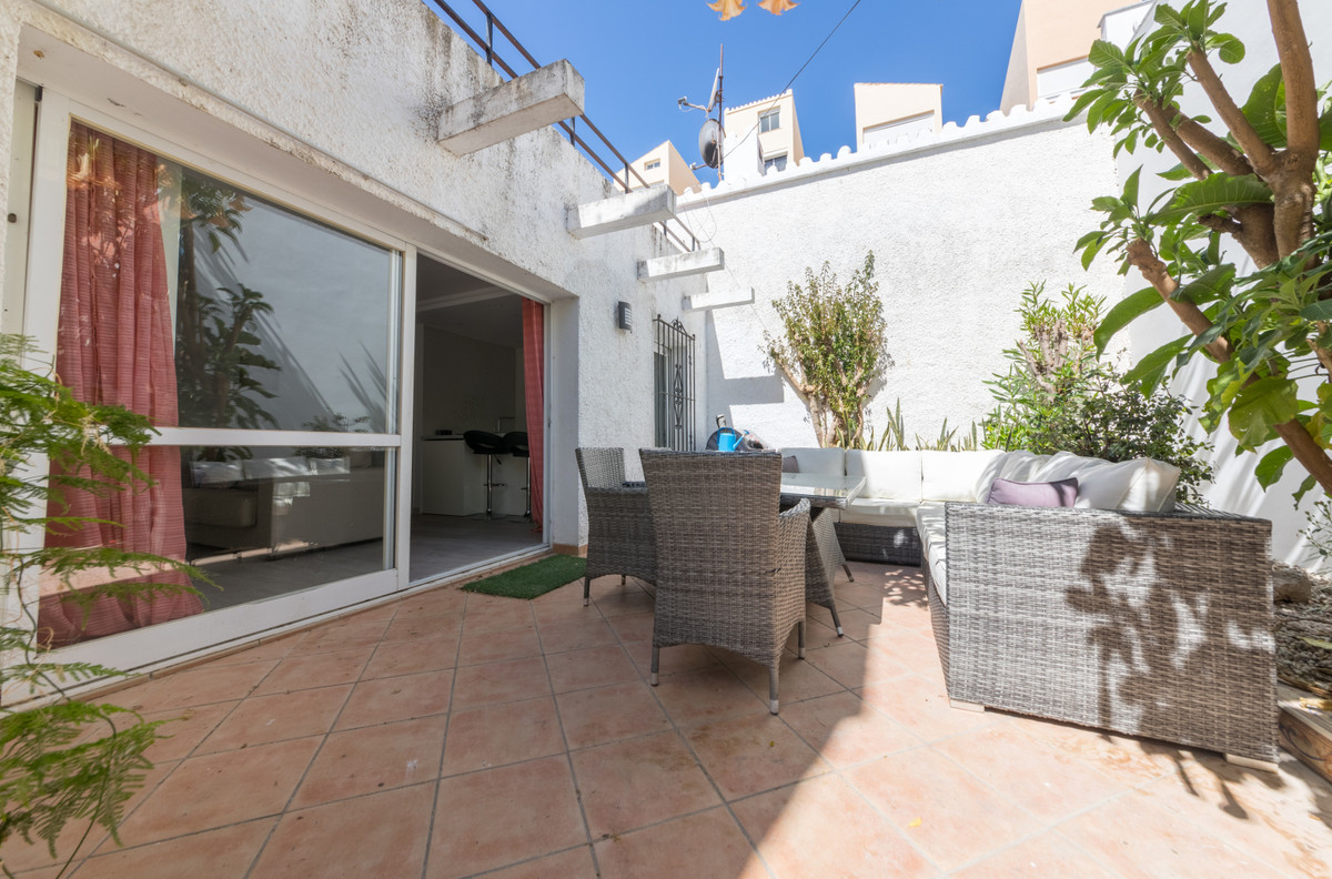 House in Estepona R3683033 4