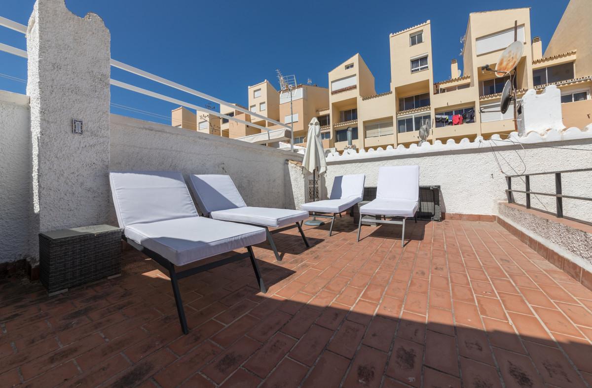 House in Estepona R3683033 9