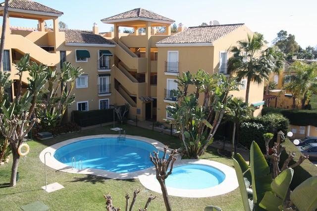 Apartamento  Planta Media en alquiler  en Guadalmina Baja