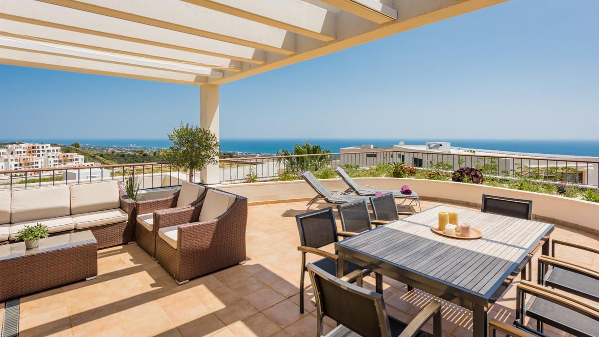 Penthouse, Altos de los Monteros, Costa del Sol. 3 Bedrooms, 3 Bathrooms, Built 350 m².  Setting : M,Spain