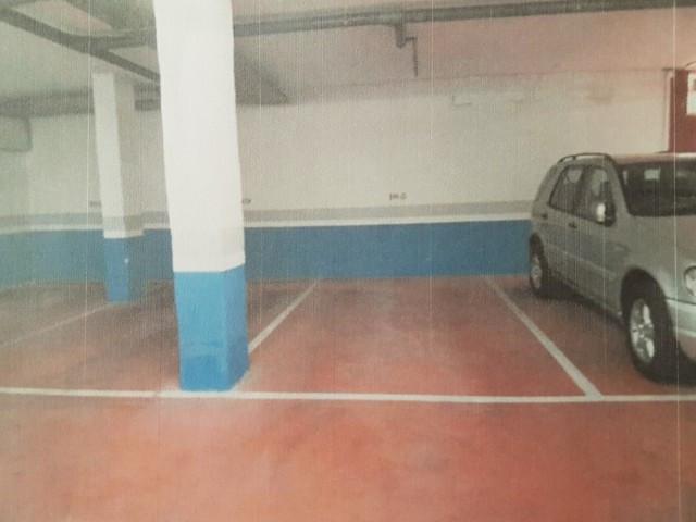 Garaje en alquiler en Elviria