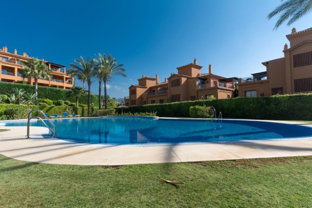 Great opportunity to adquire a well maintained property in Estepona. Walking distance to super marke,Spain