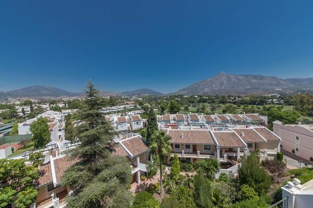 Aloha Gardens, Nueva Andalucia - 2 bedroom, 2 bathroom duplex penthouse apartment with solarium situ,Spain
