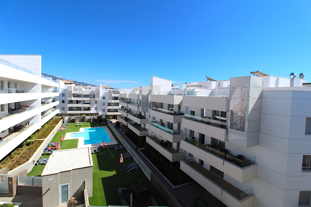 We are delighted to offer for sale this stunning penthouse apartment located within the secure and e,Spain