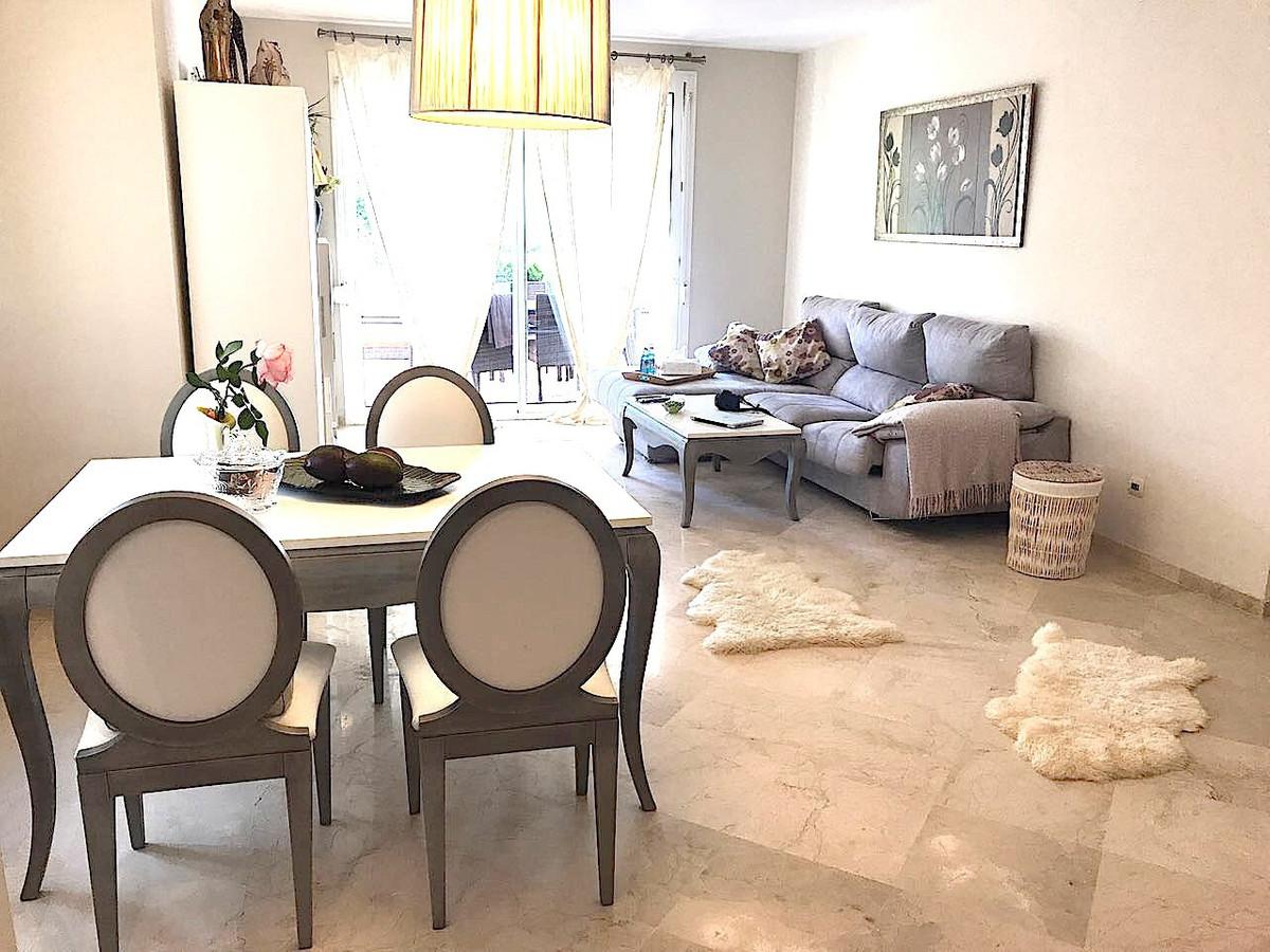 Apartamento Planta Media en Costalita, Costa del Sol