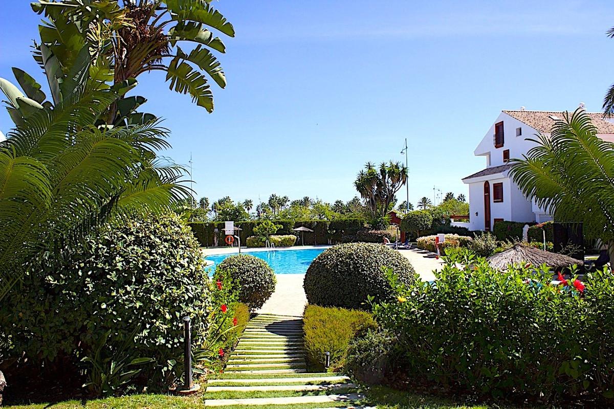 Apartamento  Ático en venta  y en alquiler   en San Pedro de Alcántara