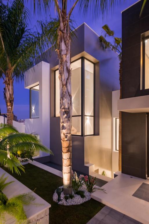 Villa con 4 Dormitorios en Venta Los Flamingos