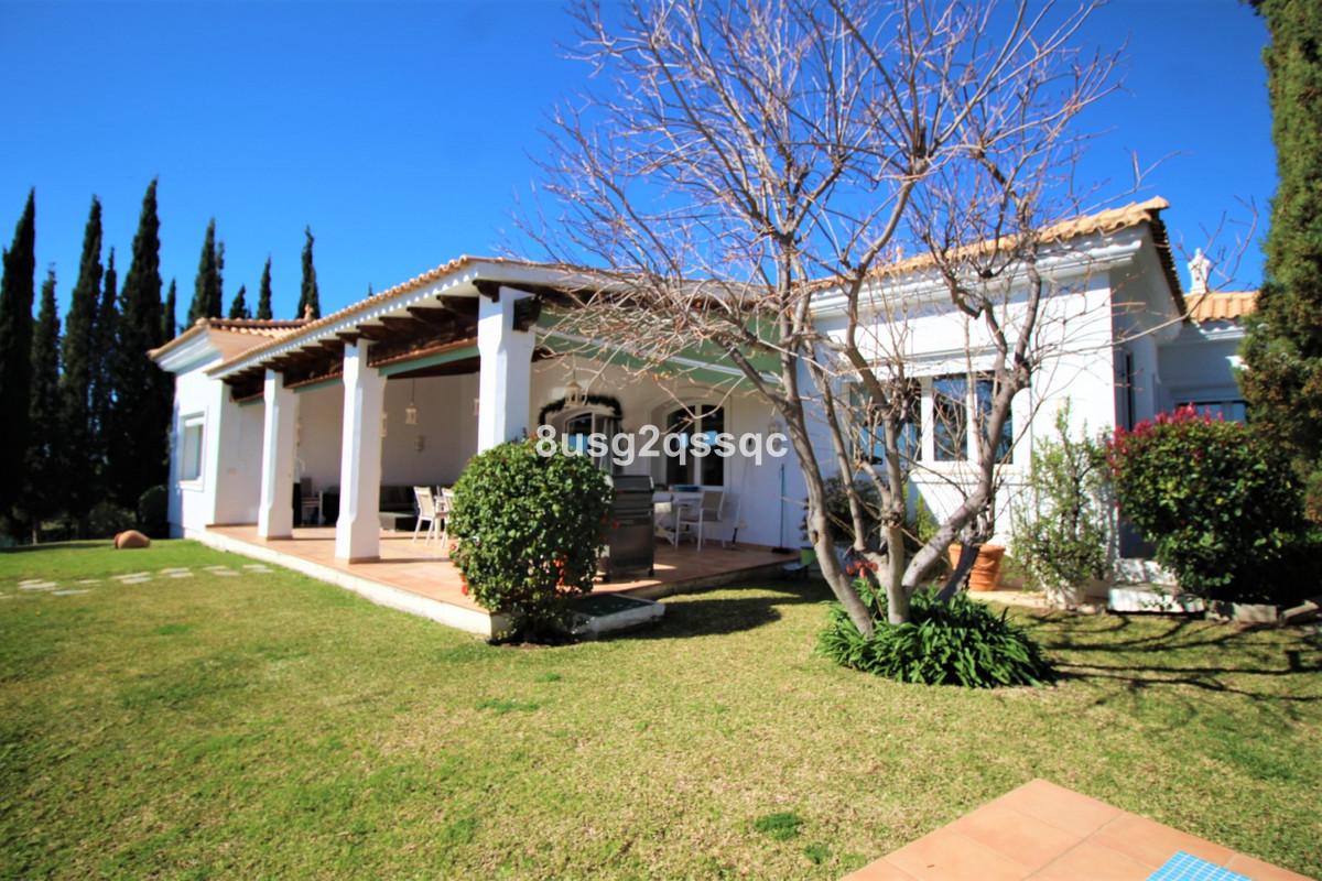 Villa - Chalet en venta en El Paraiso R3802975