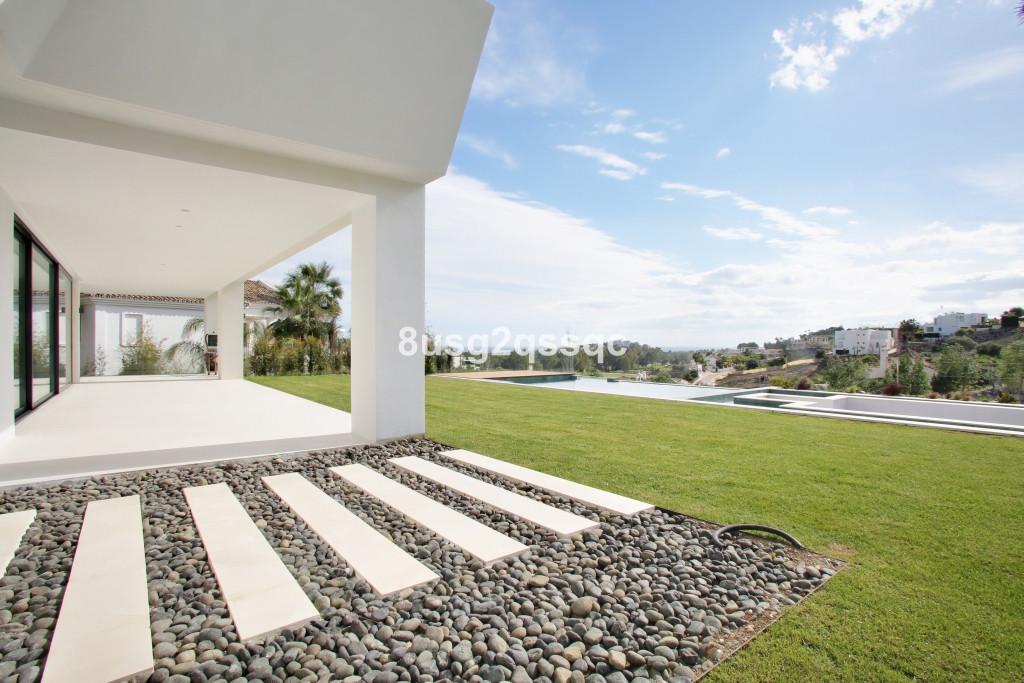 Villa for sale in Benahavís