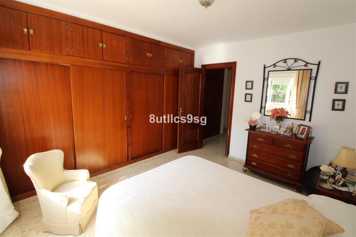 Villa Semi Detached Aloha Málaga Costa del Sol R3232882 9
