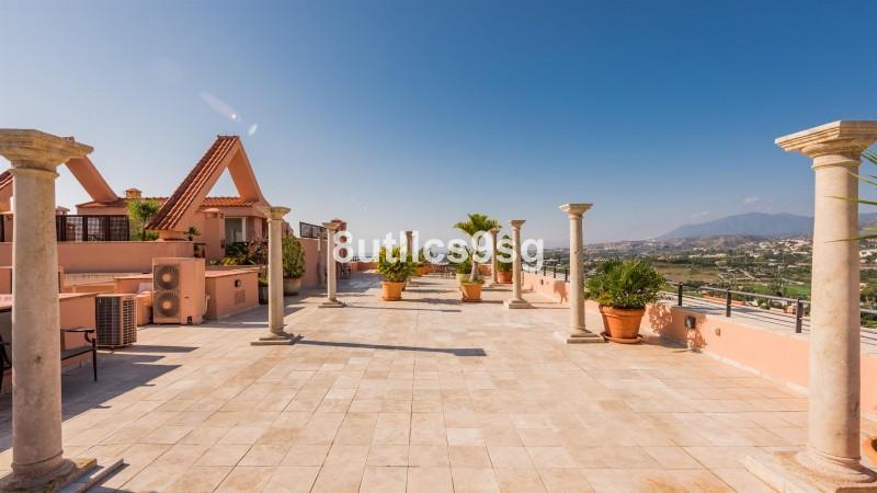 Majestic double duplex penthouse in Magna Marbella, in Nueva Andalucia, unique in the whole urbaniza,Spain