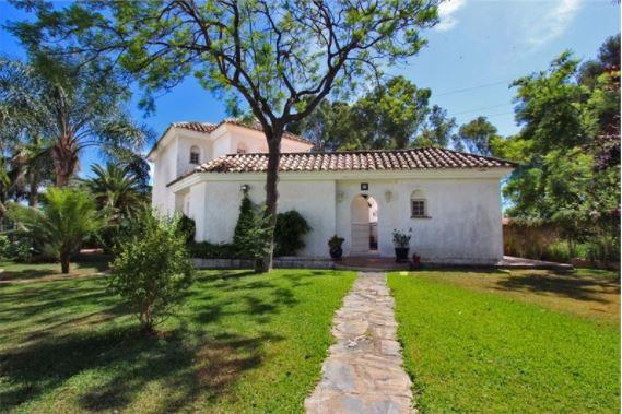 Villa in Calahonda