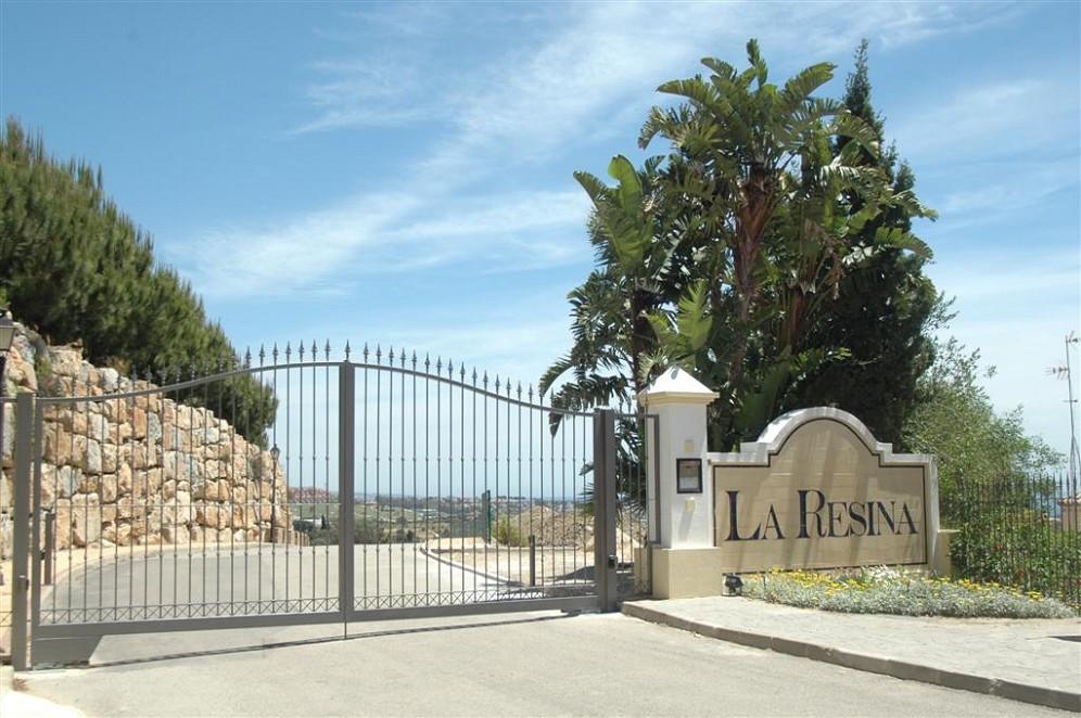 Plot in Los Almendros