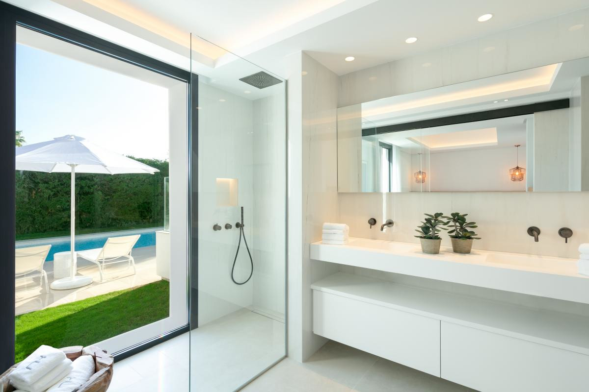 Villa con 5 Dormitorios en Venta Nueva Andalucía