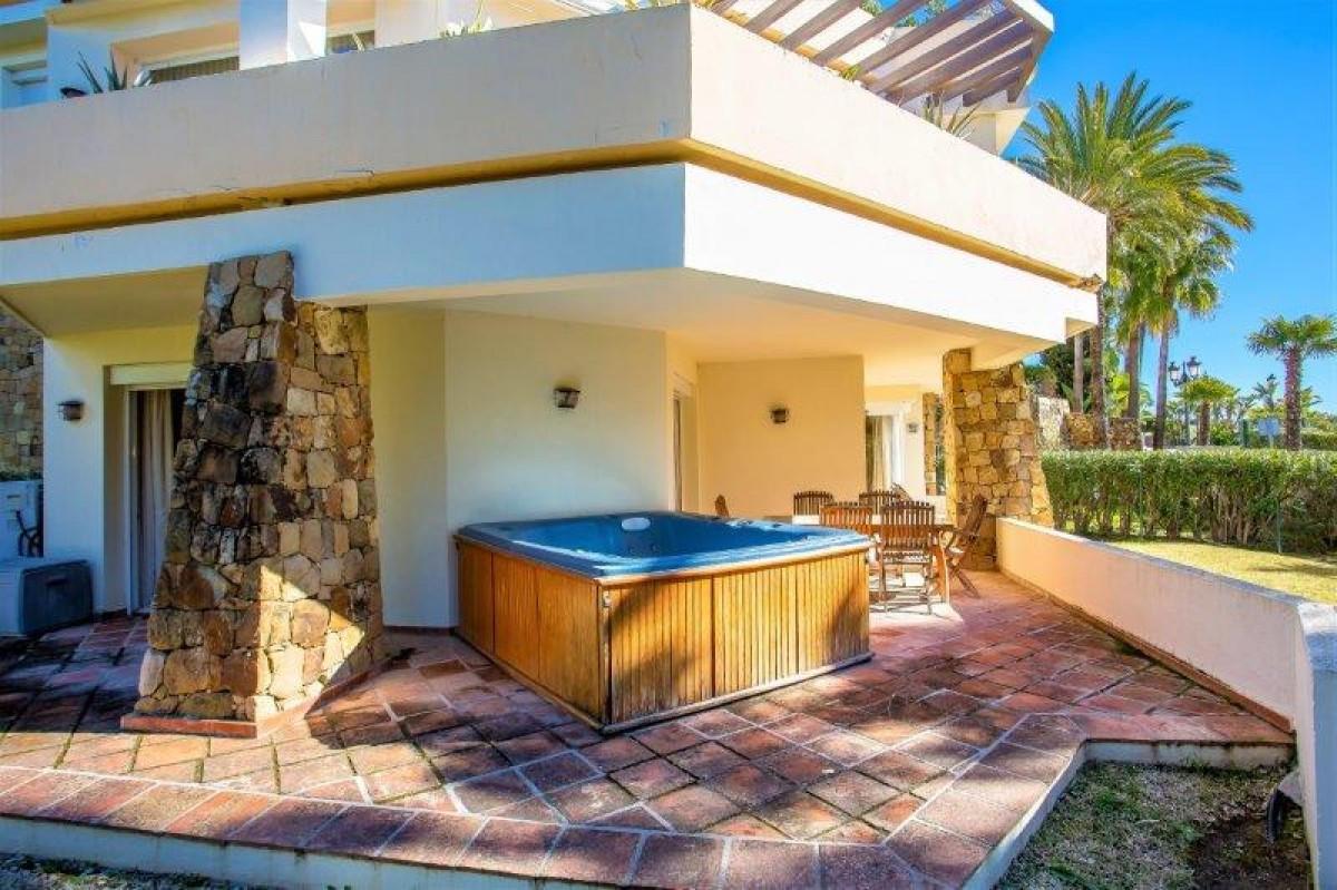 2 bedroom apartment for sale las brisas