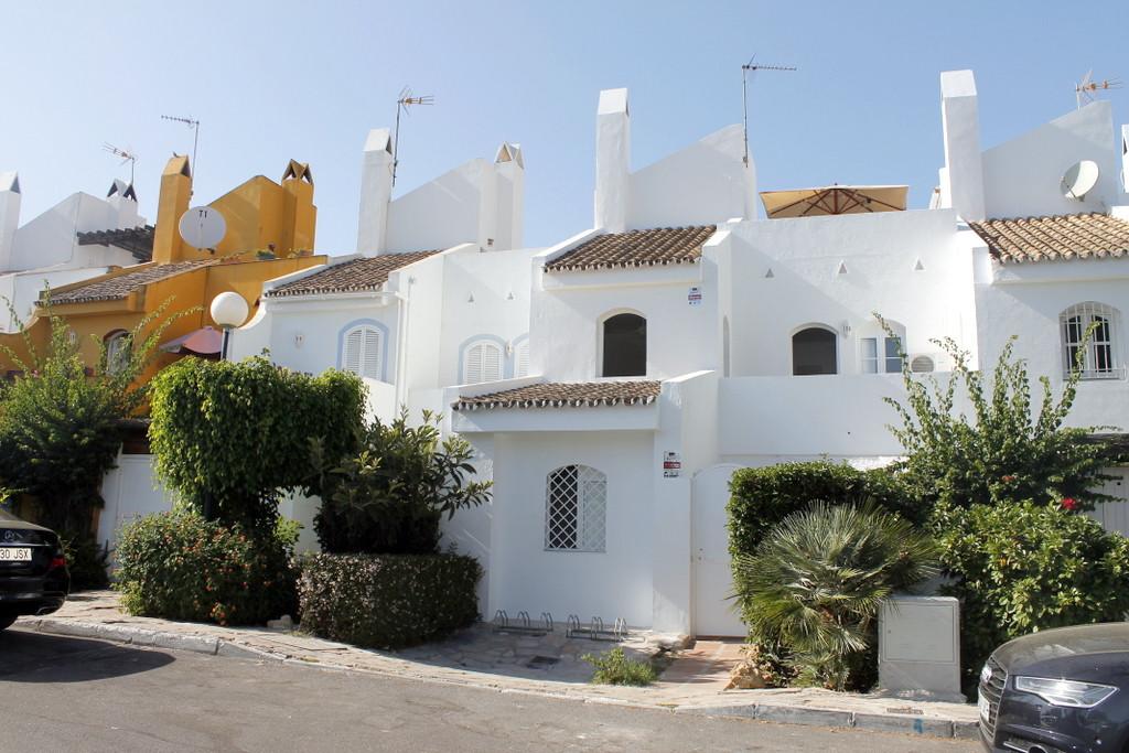 Townhouse in Puerto Banus