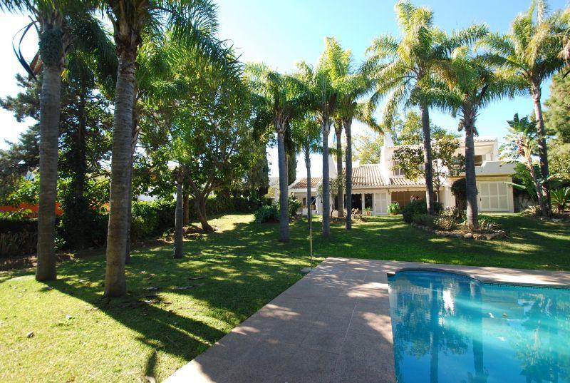 Vrijstaande Villa te koop in Río Real R2531594