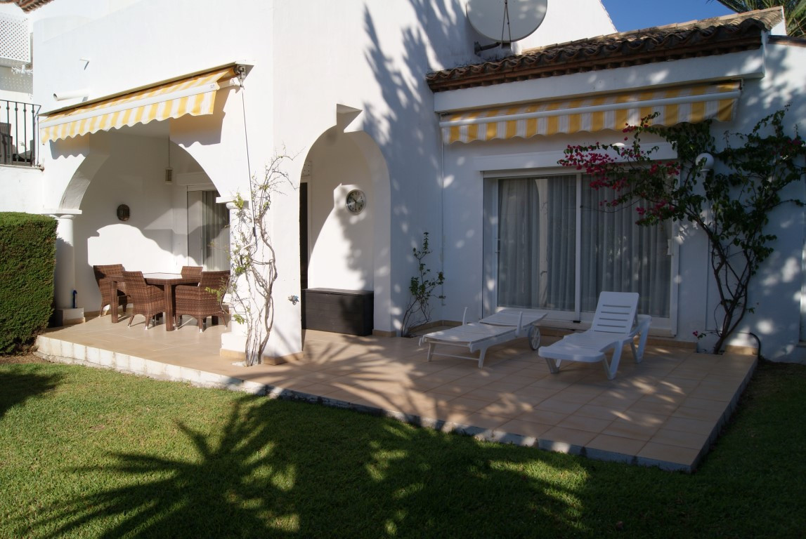 Townhouse in El Paraiso