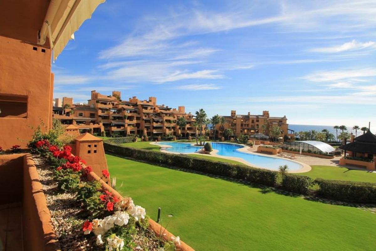 Apartamento  Planta Baja en alquiler  en Estepona